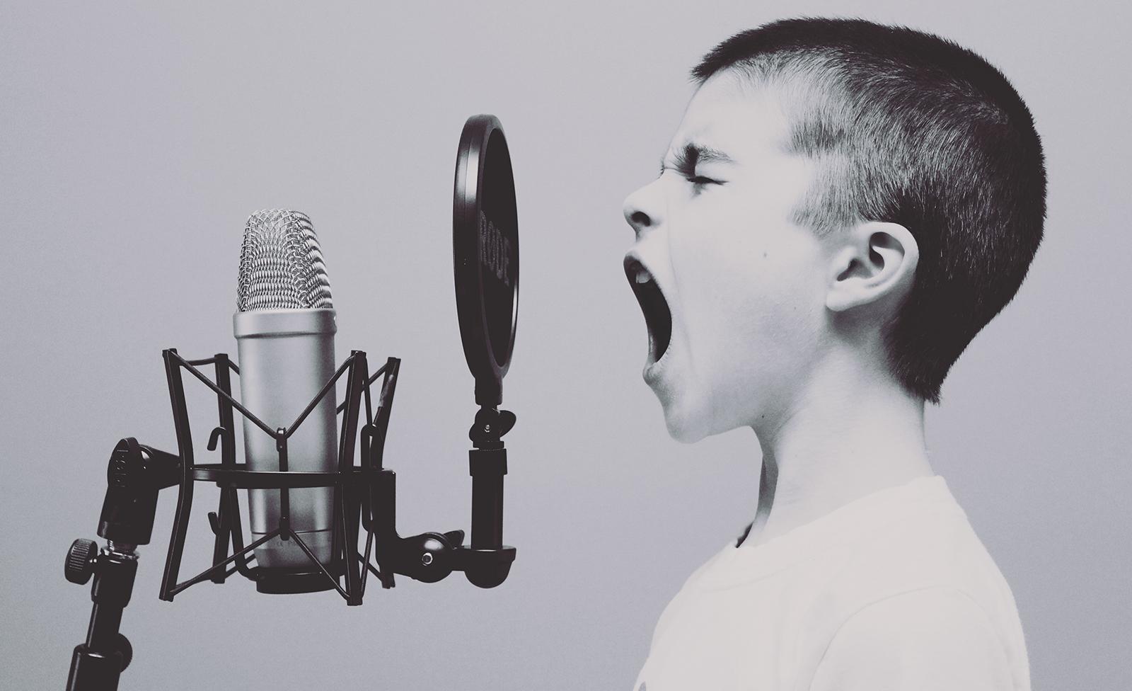 Niño, locutor, micrófono, voz, casting, sonido, audio, Postproducción Sonido